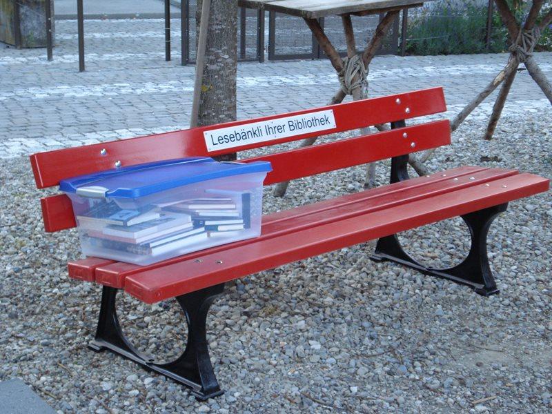 Lesebankli-in-Langenthal-Wuhrplatz-27-6-13.jpg